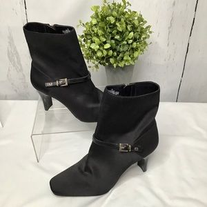 Bandolino Black Booties BD Howley - Size 7